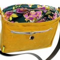 """Handtasche """"Alexia"""" aus Oilskin, curry Bild 8"""