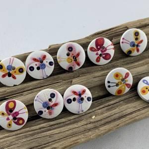 10 Holzknöpfe * kleine bunte Schmetterlinge * Schmetterling * Butterfly * Holz * 15mm * Scrapbooking * Motivknöpfe * Kin Bild 1