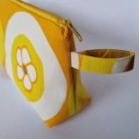 Kosmetiktasche *Vintage-Stoff 70er - 2 Blumen* Größe M, in orange-gelb-weiß von he-ART by helen hesse Bild 6