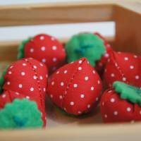 Stoff Erdbeeren - Kaufladen, Kinderküche Bild 1