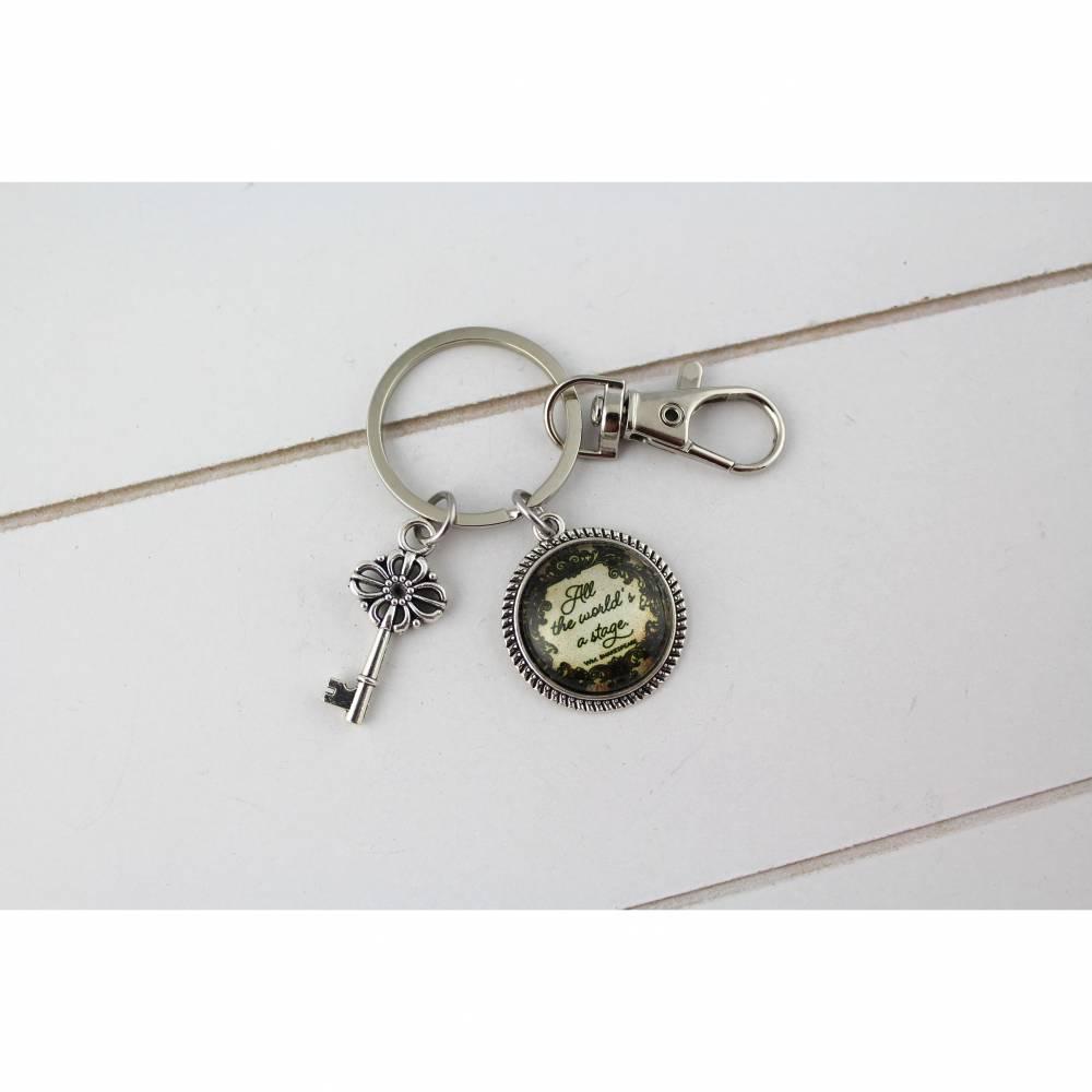 Schlüsselanhänger  World is a stage Spruch Anhänger Schlüssel Geschenk Statement Freundin  Taschenbaumler Tasche  Bild 1