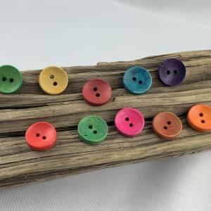 10 runde, bunt durchgefärbte Holzknöpfe * 15 mm * gelb rot grün blau orange * Knöpfe * Scrapbooking * Motivknöpfe Bild 1