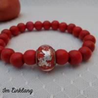 Rotes Armband mit Holzperlen, Glasperlen mit Gold, rot Bild 1