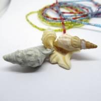 Lange bunte Halskette mit Miniperlen und echten Muscheln zum Knoten, maritimer Look für Naturliebhaberinnen Bild 7