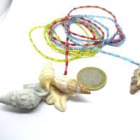 Lange bunte Halskette mit Miniperlen und echten Muscheln zum Knoten, maritimer Look für Naturliebhaberinnen Bild 9