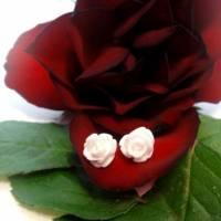 Röschen Ohrstecker, 8mm Blüte, Edelstahl Stift, in  rot, weiß oder hellrosa Bild 3