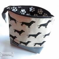 Dackel-Täschchen, Kosmetiktasche, Projekttasche; für Strickzeug, Krimskrams... Nicht nur für Hundefreunde Bild 1