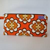 Kosmetiktasche *Vintage-Stoff 70er - 2 Blumen* Größe M, in orange-weiß-braun von he-ART by helen hesse Bild 6