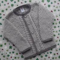 Pullover mit Zopfmuster Größe 98/104 Trachtenjacke für Junge beige braun gestrickt Handarbeit Kinderjacke  Bild 1
