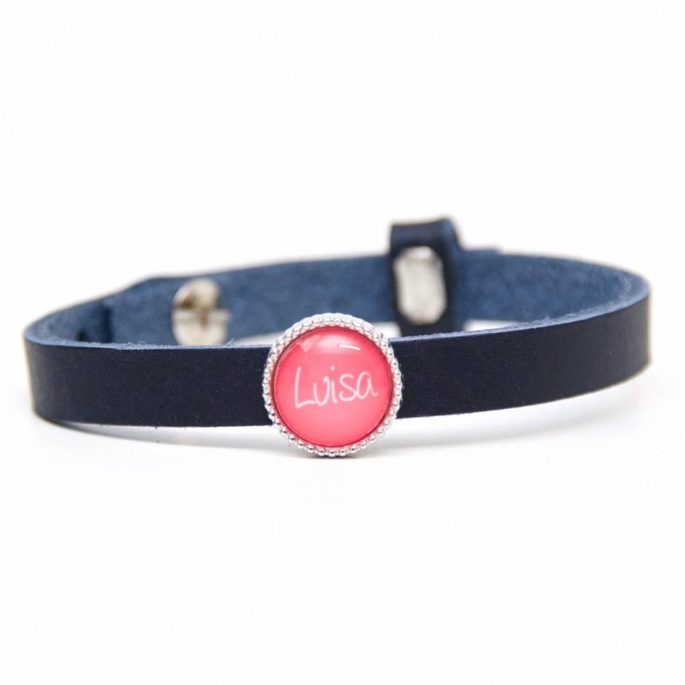 Personalisiertes Lederarmband in dunkelblau mit Namen - Farbwahl - Geschenkidee von Just Trisha Bild 1