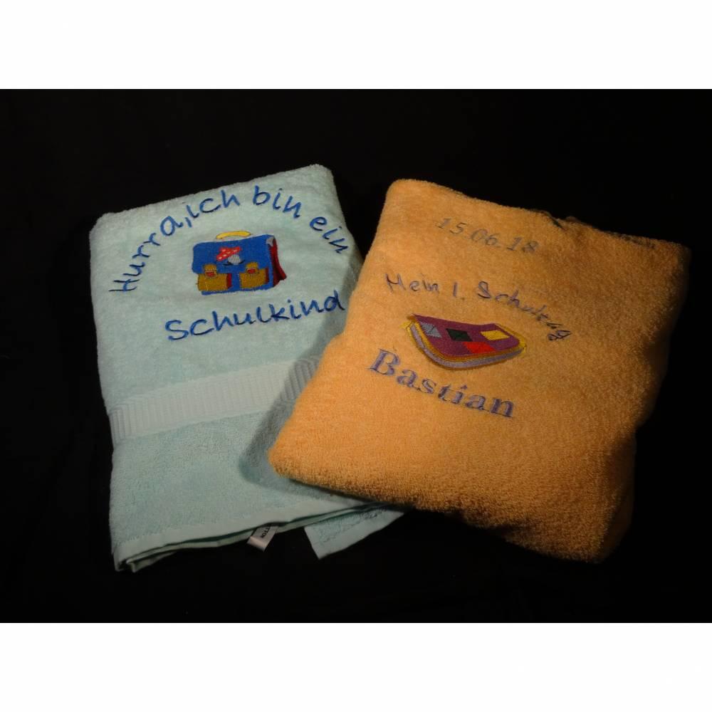 besticktes Handtuch Bild 1
