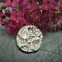 Runder Silber-Anhänger mit eingeprägten Ammoniten aus 999 Silber Bild 3