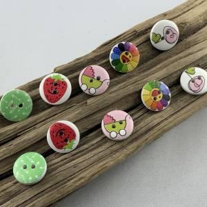 10 Holzknöpfe * mit Erdbeeren, Kinderwagen, Blumen, Gräten und Herz bedruckt * Holz * 15mm * Scrapbooking * Motivknöpfe  Bild 1