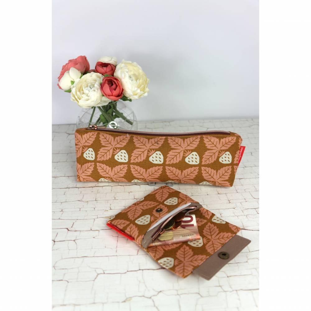 Set Mäppchen und minimalist Wallet mini in curry mit Vintage-Erdbeeren Bild 1