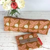 Set Mäppchen und minimalist Wallet mini in curry mit Vintage-Erdbeeren Bild 2