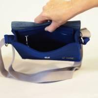Dunkelblaue Umhängetasche aus Wollfilz mit Wechselklappe Bild 5