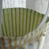 Ostertasche grün weiß aus Stoff mit Bügelbild Osterkorb mit Küken und Eier  Bild 5