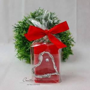 Schafmilchseife CRANBERRY dekoriert mit Silberherz und Glitzerstein - Valentinsgeschenk, Mitbringsel Bild 1