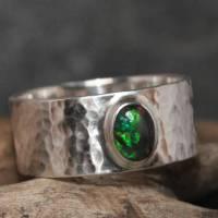 Breiter Opalring - Geschmiedeter 925 Sterling Silber Ring - Unikat Bandring mit schwarzem Opal - Herrenring Männerring Bild 1