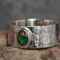 Breiter Opalring - Geschmiedeter 925 Sterling Silber Ring - Unikat Bandring mit schwarzem Opal - Herrenring Männerring Bild 2