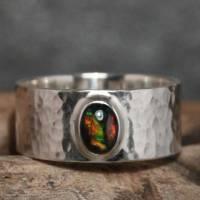 Breiter Opalring - Geschmiedeter 925 Sterling Silber Ring - Unikat Bandring mit schwarzem Opal - Herrenring Männerring Bild 3