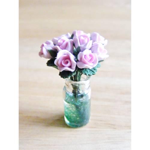 Miniaturen Puppenhaus Glasvase mit rosa Rosen