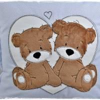 Kissen 40cmx40cm, hellblau/weiß gepunktet mit Doodlestickerei 'Teddys', personalisierbar Bild 7