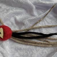 Brosche in Grau-Rot-Schwarz Filzbrosche Button Anstecker Pin Blume Filz Geschenk Dekoration Bild 1
