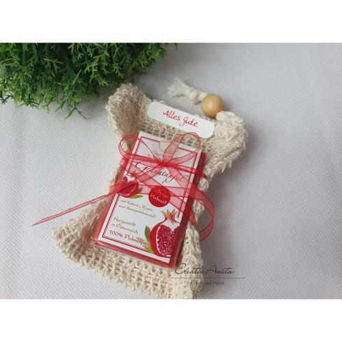 Geschenkpackerl Sisalbeutel und palmölfreier Schafmilchseife Granatapfel - Geburtstagsgeschenk