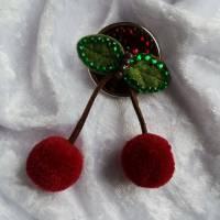 KIRSCHE Brosche Button Anstecker Pin Filz Pompon Geschenk Dekoration Bild 3