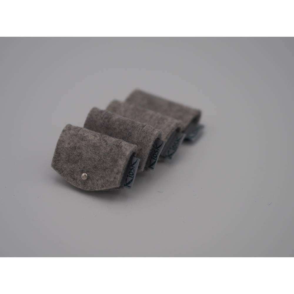 Kabelbinder für Kopfhörer oder Ladekabel, 4er Set aus Filz in hellgrau Bild 1