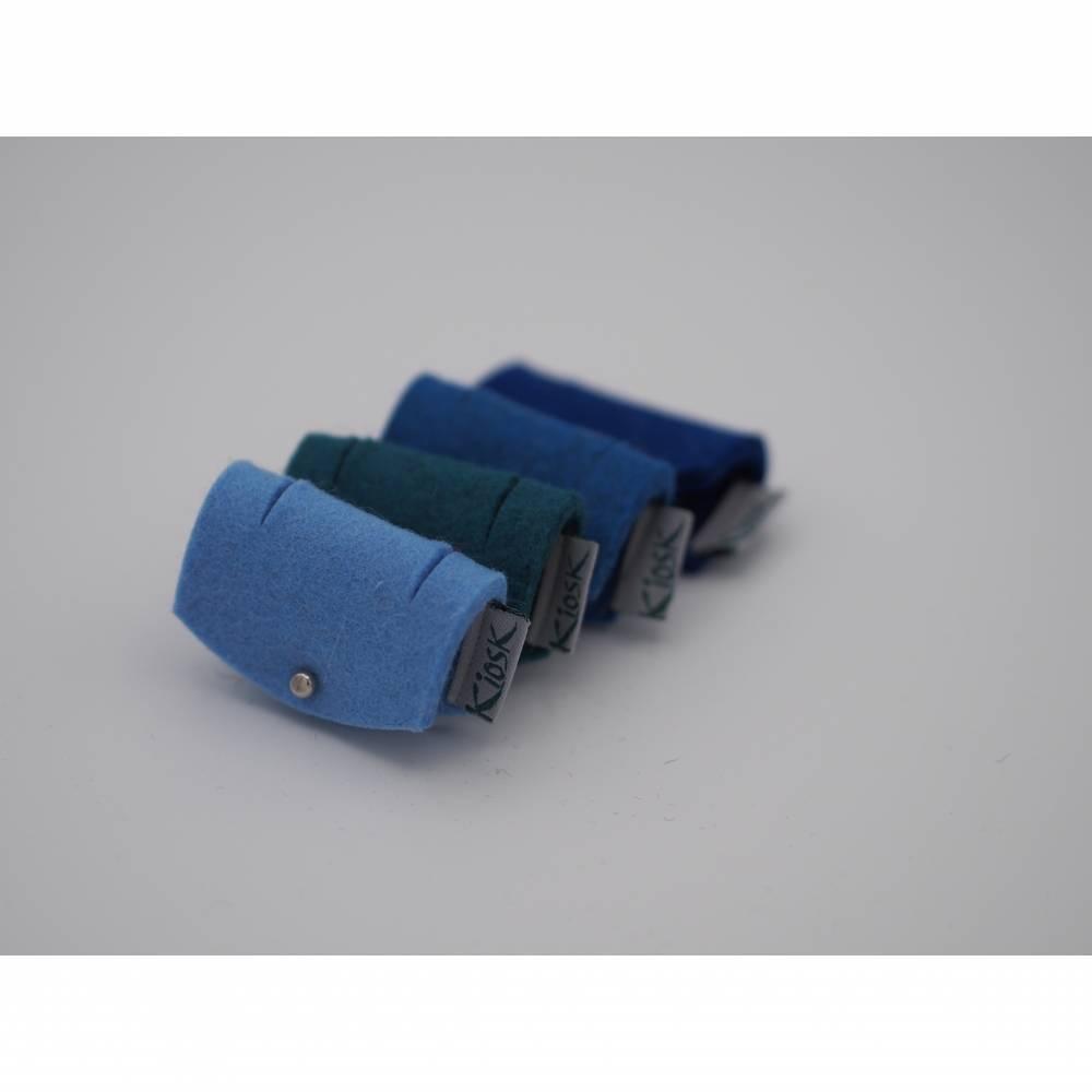 Kabelbinder für Kopfhörer oder Ladekabel, 4er Set aus Filz in hellblau, petrol, blau und dunkelblau Bild 1