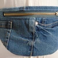 Bauchtasche, Gürteltasche, Fannypack, Crossbag, Hipbag, Bodybag,Upcycling, Jeans Bild 1