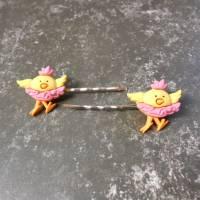 Küken mit rosa Rock  Haarklemmchen  Haarschmuck  Haarklammern kawaii  Bild 1
