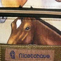 Kleine Umhängetasche mit Pferden Bild 3