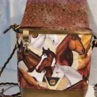 Kleine Umhängetasche mit Pferden Bild 5