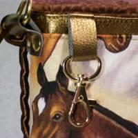Kleine Umhängetasche mit Pferden Bild 6