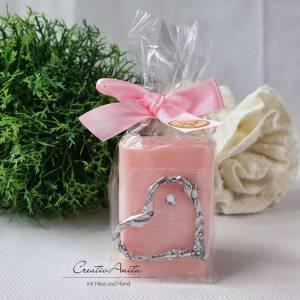 Valentinsgeschenk, Mitbringsel - 1 Stück Schafmilchseife PFINGSTROSE dekoriert mit Silberherz und Glitzerstein Bild 1