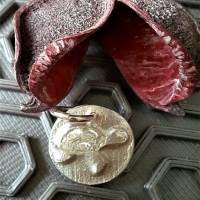 Runder Anhänger mit  Schildkröte aus 999 Silber Bild 6