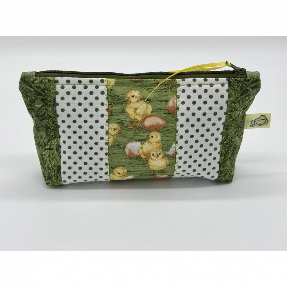 Kosmetiktasche, Schminktasche, Aufbewahrungstäschchen, Küken kombiniert mit Grüntönen, schönes Ostergeschenk Bild 1
