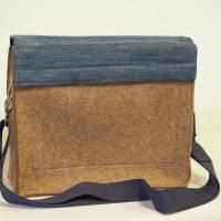 Braune Umhängetasche aus Wollfilz mit Wechselklappe aus ucycling-Jeans Bild 3