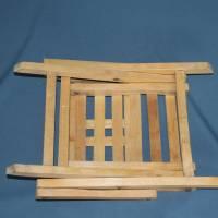 alter Klappstuhl aus Holz für Kinder Bild 5