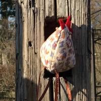 Huhn, Dekohuhn, Osterhuhn beige braun gescheckt Bild 4