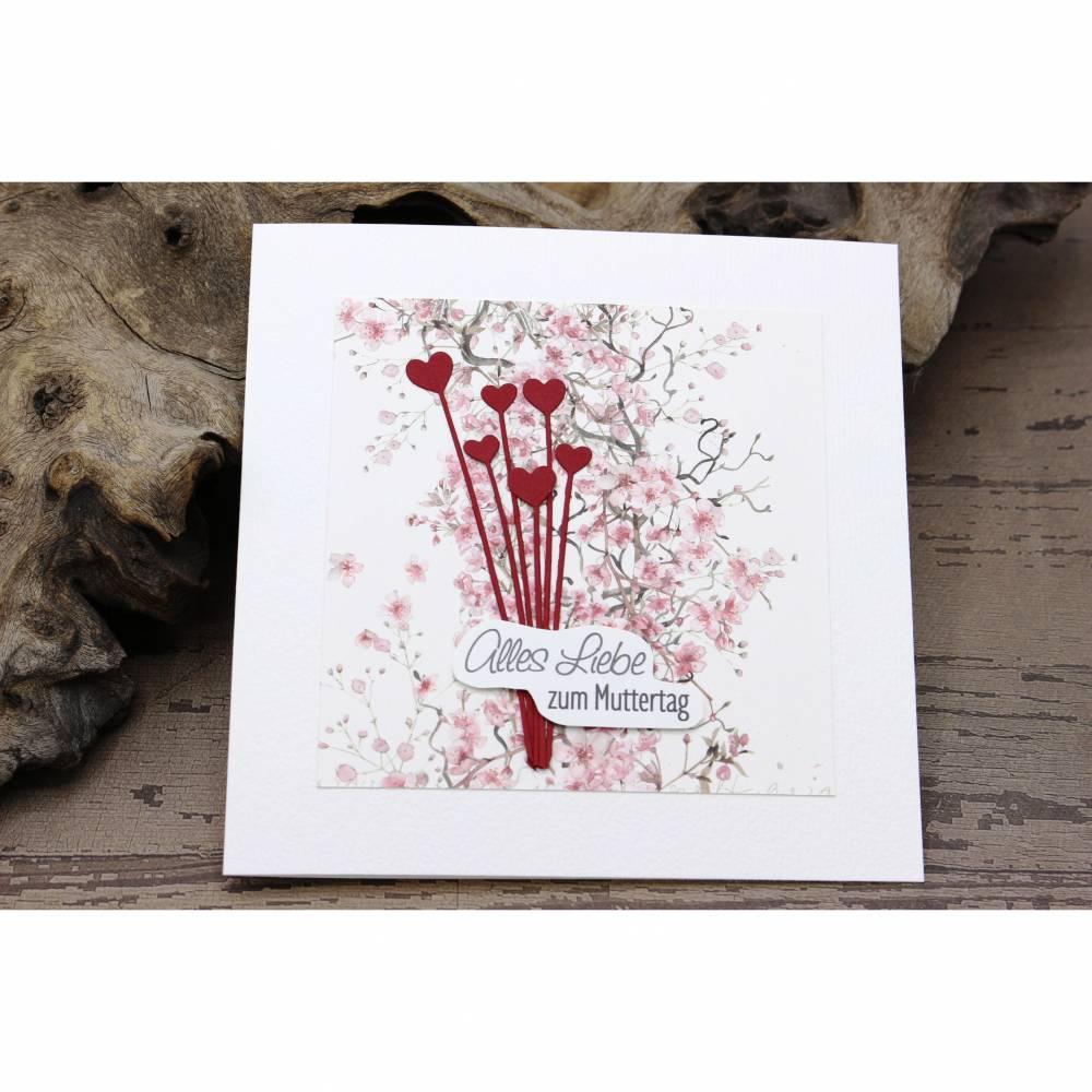Grußkarte zum Muttertag, Muttertagskarte mit Blüten und Herz-Motiv Bild 1