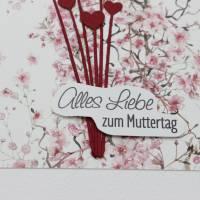Grußkarte zum Muttertag, Muttertagskarte mit Blüten und Herz-Motiv Bild 3