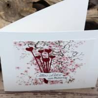 Grußkarte zum Muttertag, Muttertagskarte mit Blüten und Herz-Motiv Bild 4
