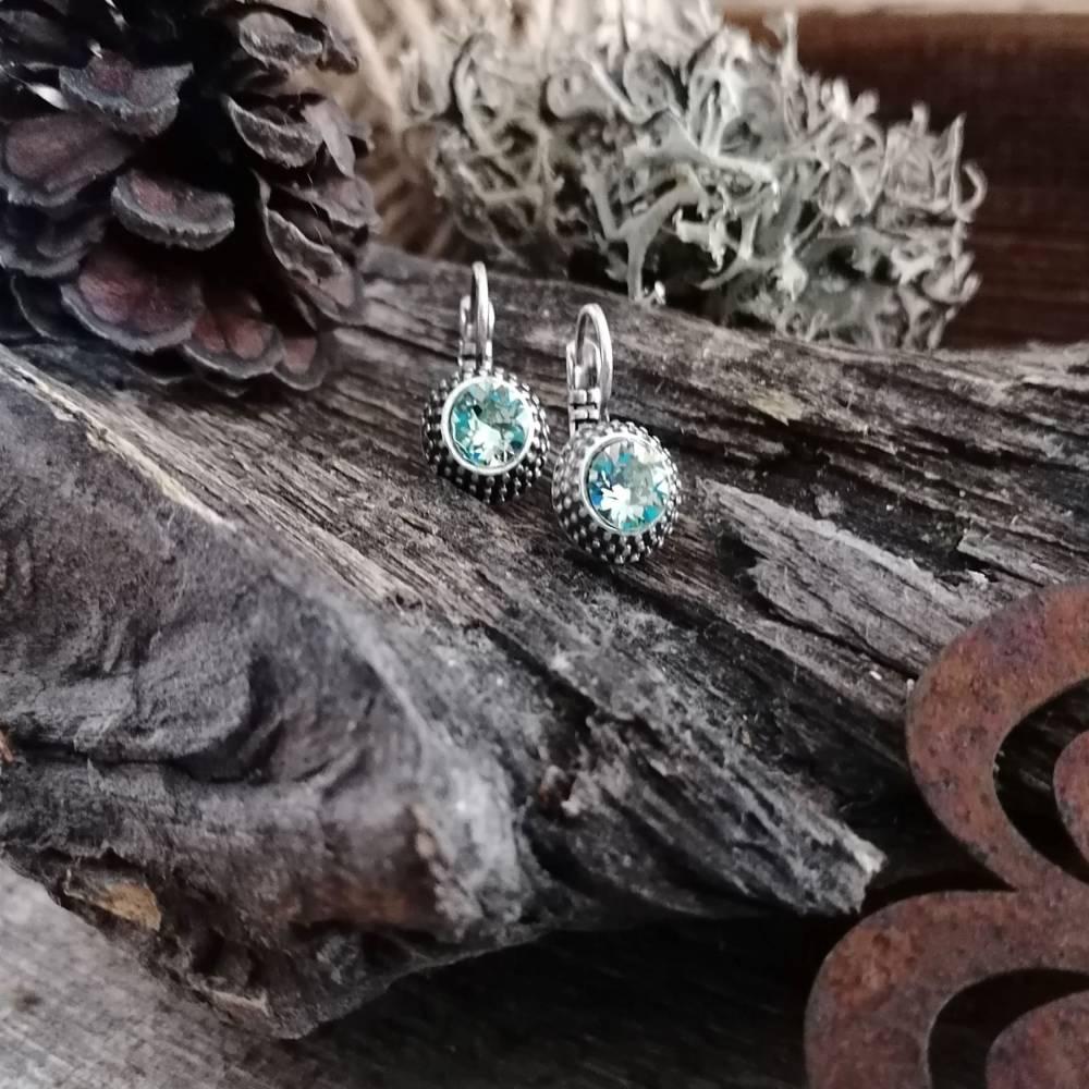 Wunderschöne Ohrringe mit Swarovski Chatons Bild 1