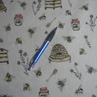 12,60 EUR/m Stoff Canvas / Dekostoff Bienen / Bienenstöcke / Honig / Imkern auf hellbeige Leinenoptik Bild 9