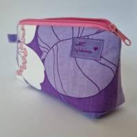 Kosmetiktäschchen *Vintage-Stoff 70er - Blumen* Größe S, in lila-weiß-rosa von he-ART by helen hesse Bild 1