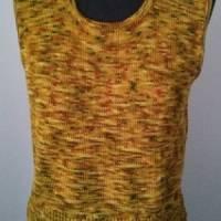 Gestrickter Pullunder aus handgefärbter Sockenwolle Bild 1
